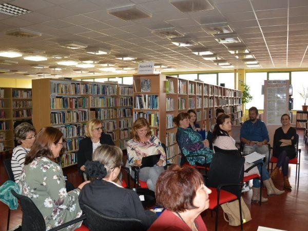 Stretnutie knihovníkov a pedagógov s propagátorom čítania detí Tiborom Hujdičom.